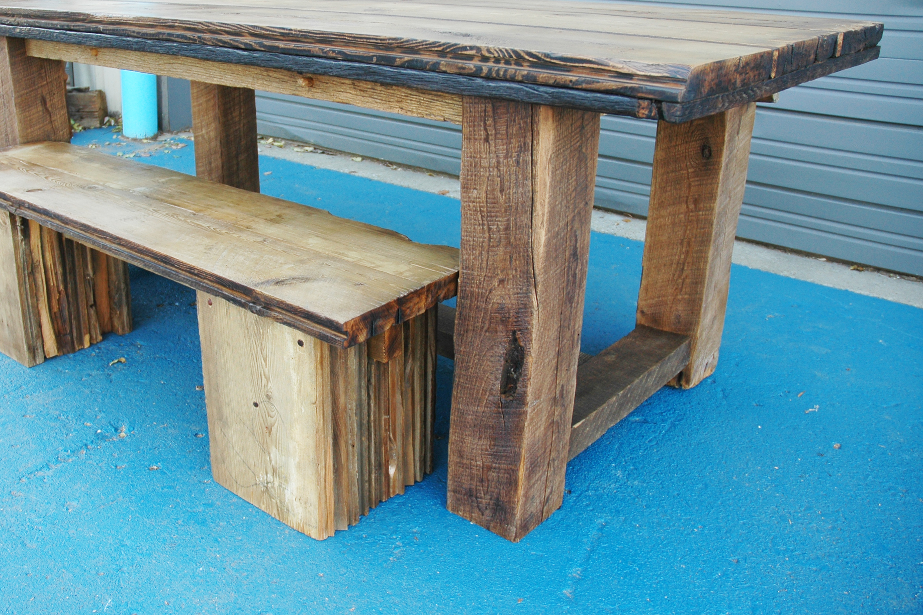 Red 39 s dining table products red 39 s dining table earl for Barn wood salvage companies